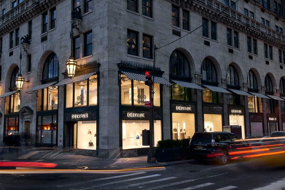 Le magasin de New York a été conçu pour refléter le lieu qu'il occupe, la Cinquième avenue, ainsi que l'énergie et la vitalité de Manhattan et de toutes ses communautés.