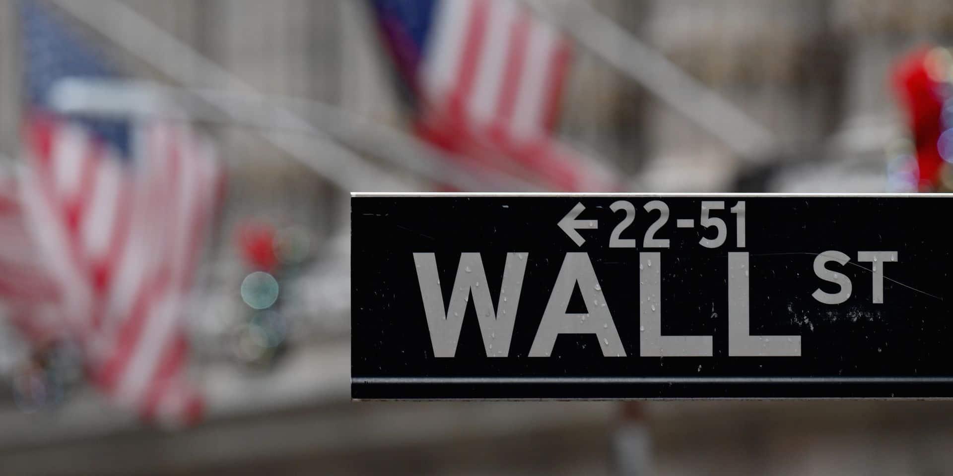 La mutation du Covid-19 jette un froid sur Wall Street