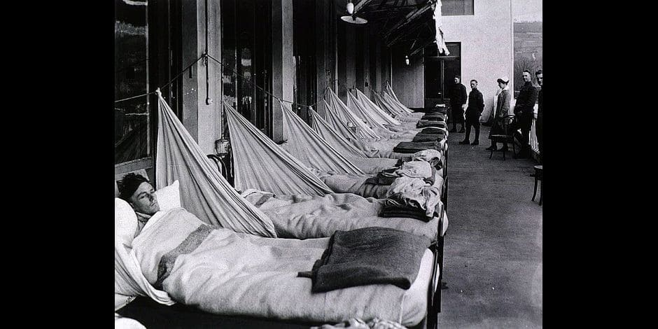 Spanish Flu Epidemic 1918-19. An pneumonia porch at the U. S. Army Camp Hospital in Aix-les-Bains, France, during the Spanish Flu epidemic of 1918-19. Most flu deaths were of healthy young adults, who died from bacterial pneumonia, a secondary infection caused by the influenza. Copyright: Reporters / Everett