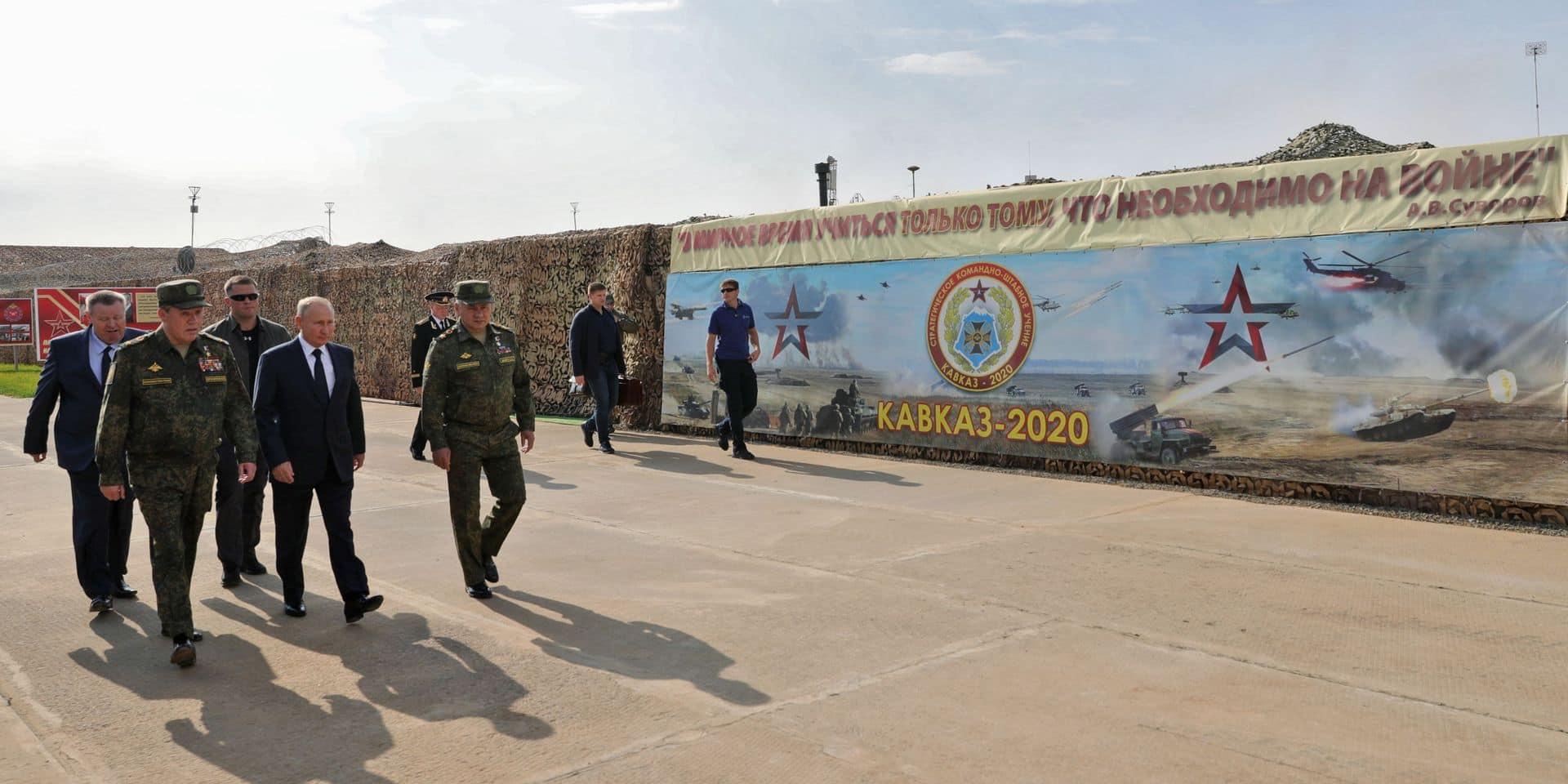 """Vladimir Poutine organise une démonstration de force : """"Les forces russes restent prêtes au combat malgré le Covid-19"""""""