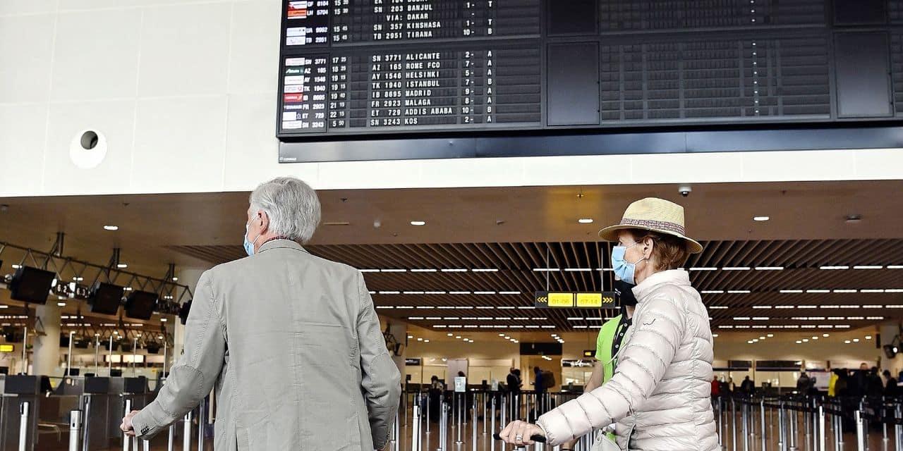 """Le secteur aérien veut éviter un nouveau faux départ : """"La Belgique doit revoir son système de codes couleur"""""""