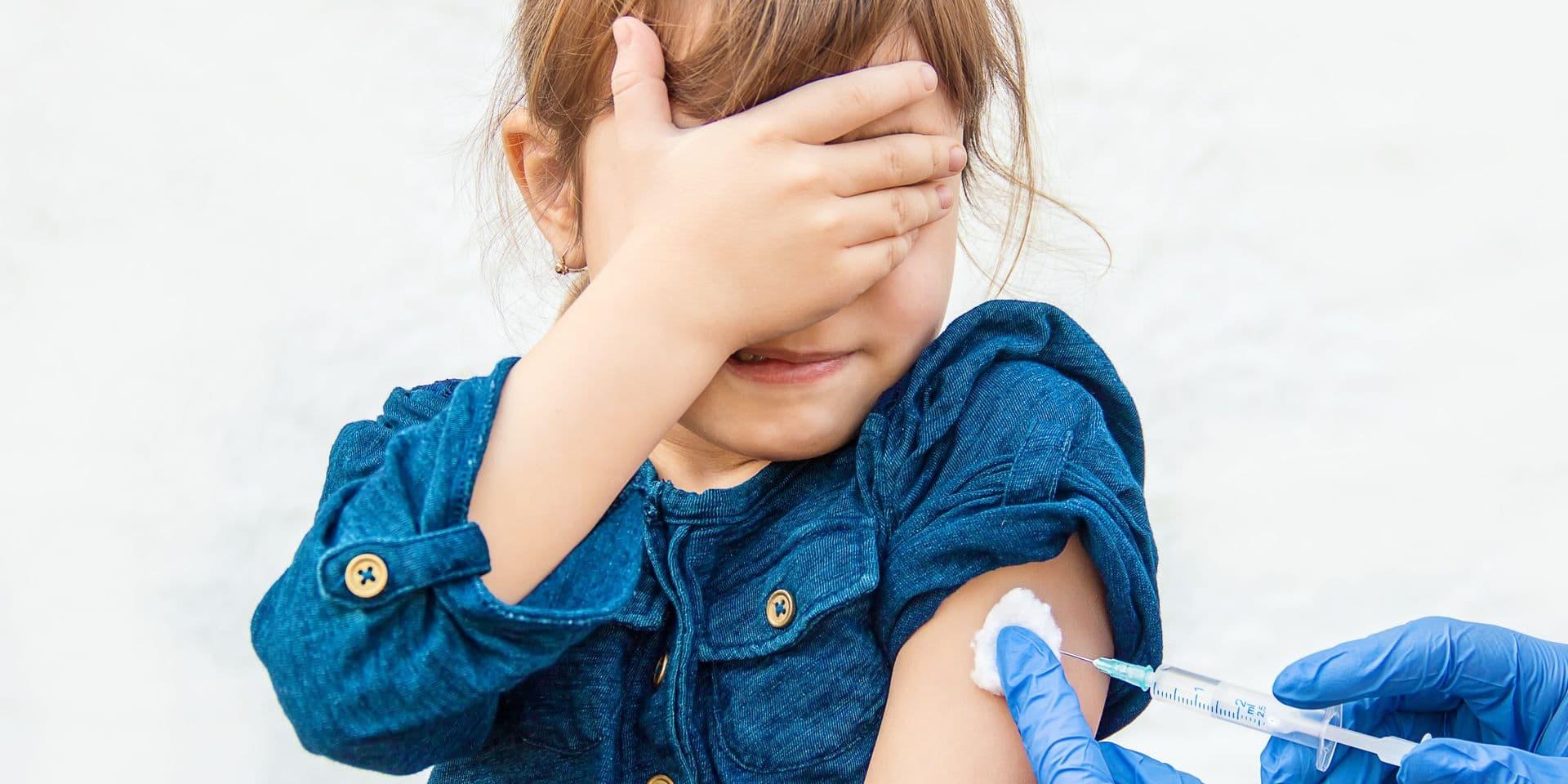 Covid-19: pourquoi les enfants et les adolescents seront privés de vaccin dans un premier temps