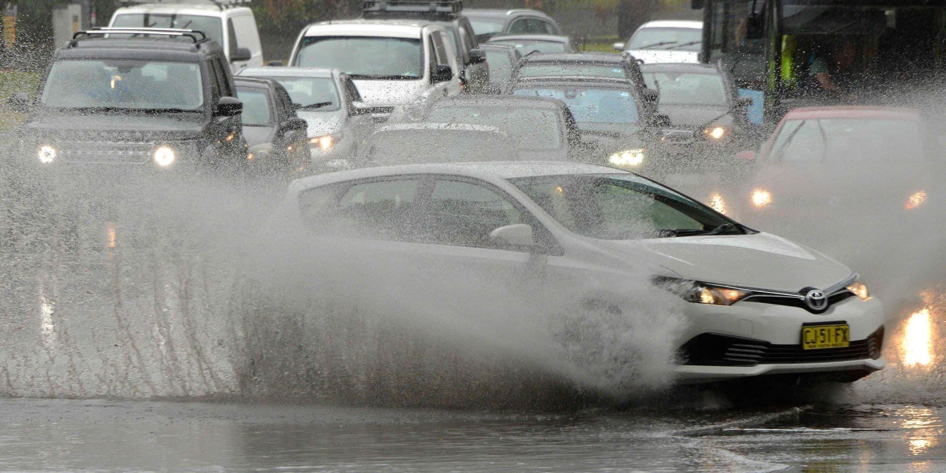 Déluge à Sydney, avec l'équivalent d'un mois de pluie en quelques heures
