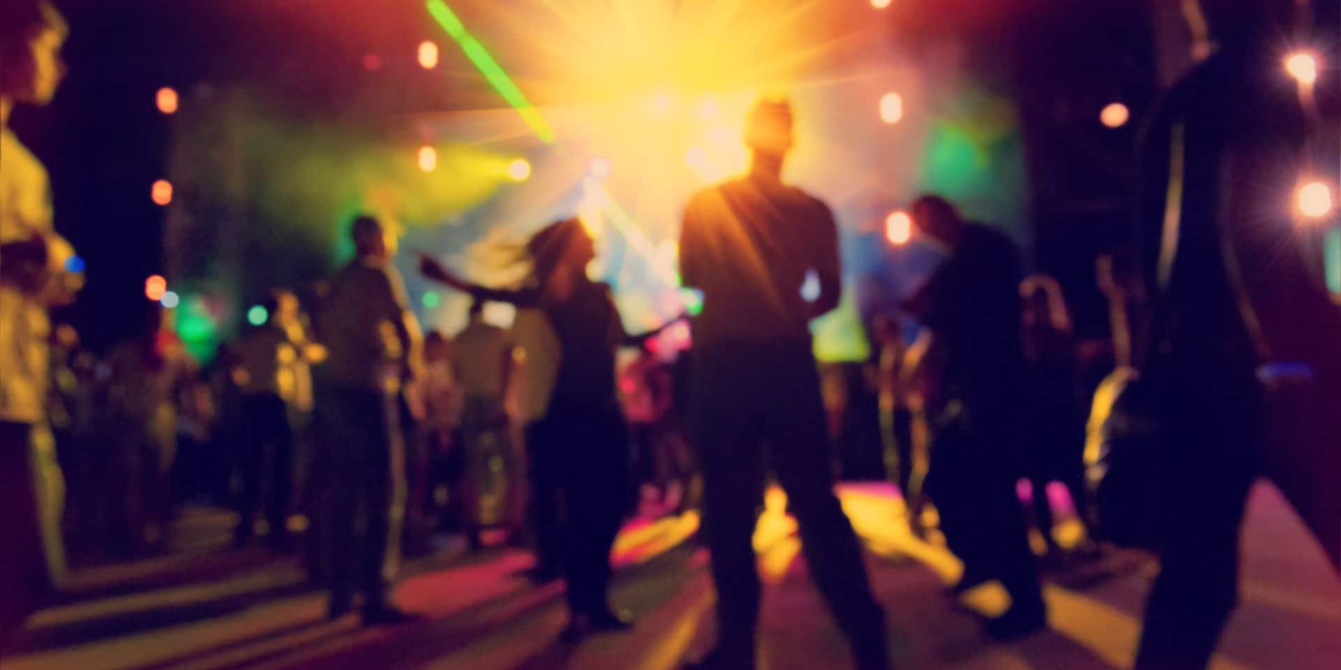 La police a mis fin à une rave party de 300 personnes à Leeuw Saint-Pierre