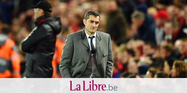 TOPSHOT - Barcelona's Spanish coach Ernesto Valverde reacts during the UEFA Champions league semi-final second leg football match between Liverpool and Barcelona at Anfield in Liverpool, north west England on May 7, 2019. (Photo by Oli SCARFF / AFP)
