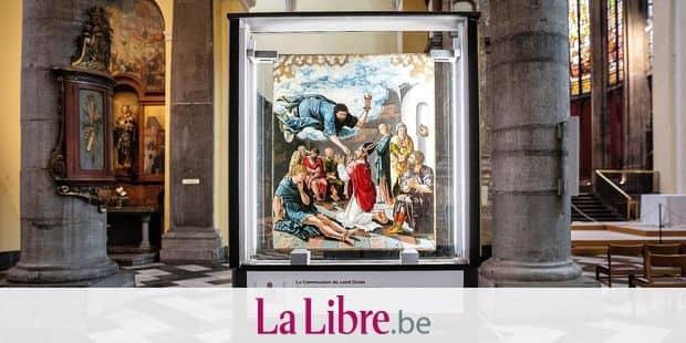 LIEGE. LES PANNEAUX DU RETABLE DE SAINT DENIS SONT RESTAURES ET DE RETOUR DANS L EGLISE SAINT DENIS. PHOTO Michel Tonneau