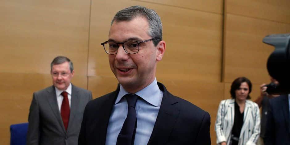 Le bras droit d'Emmanuel Macron accusé de conflit d'intérêts