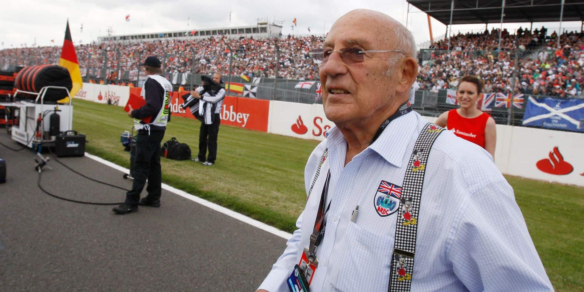 """L'ancien pilote de Formule 1 anglais Stirling Moss, surnommé le """"champion sans couronne"""", est décédé"""