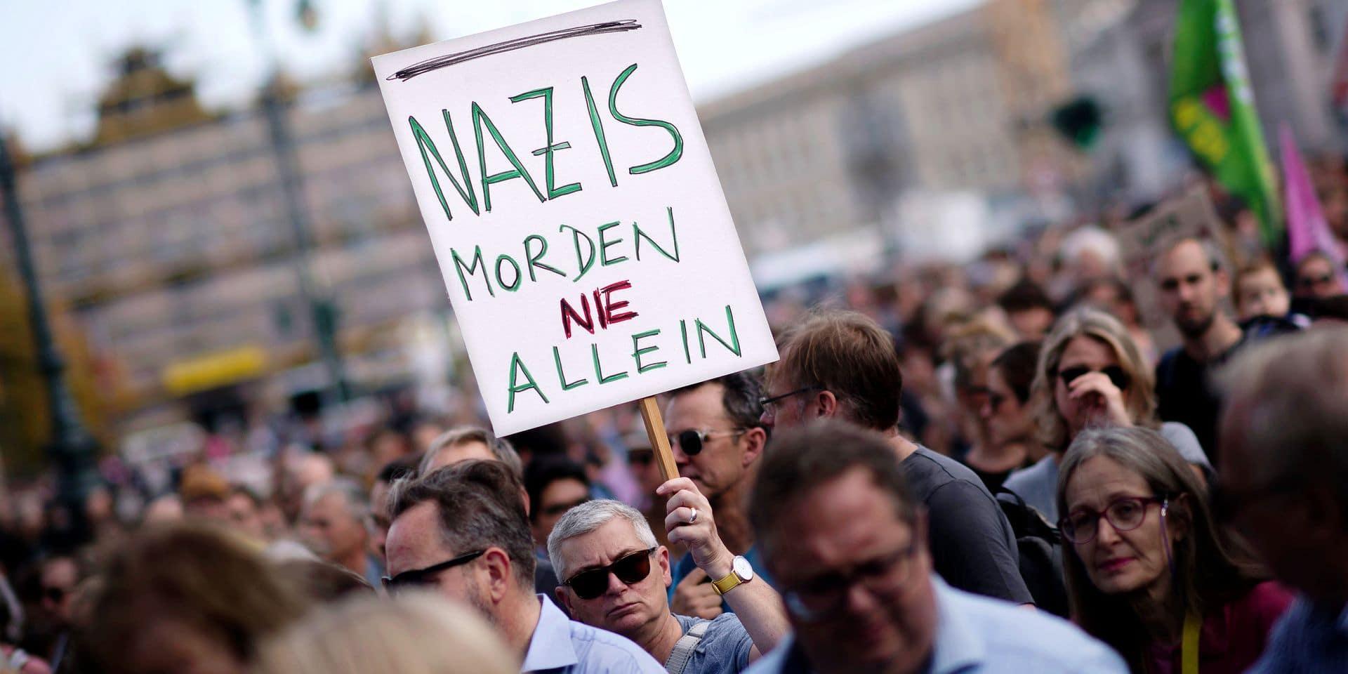 unteilbar Demo against anti-Semitism DEU, Deutschland, Germany, Berlin, 13.10.2019 Demonstrant mit Schild Nazis Morden