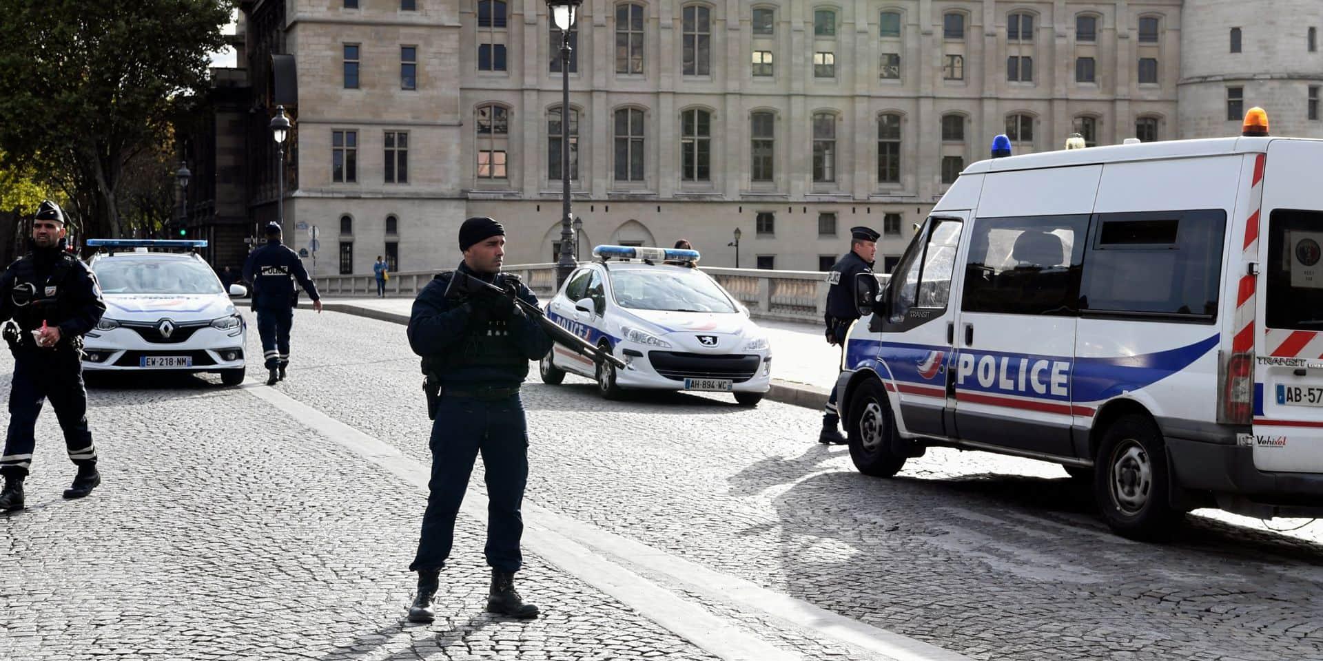 """Tuerie de la préfecture: Castaner admet des """"failles"""" mais exclut de démissionner"""