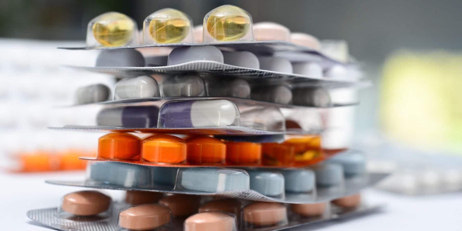 """Le Royaume-Uni veut stocker """"jusqu'à six semaines"""" de médicaments pour se préparer en cas d'un """"no deal"""" sur le Brexit"""
