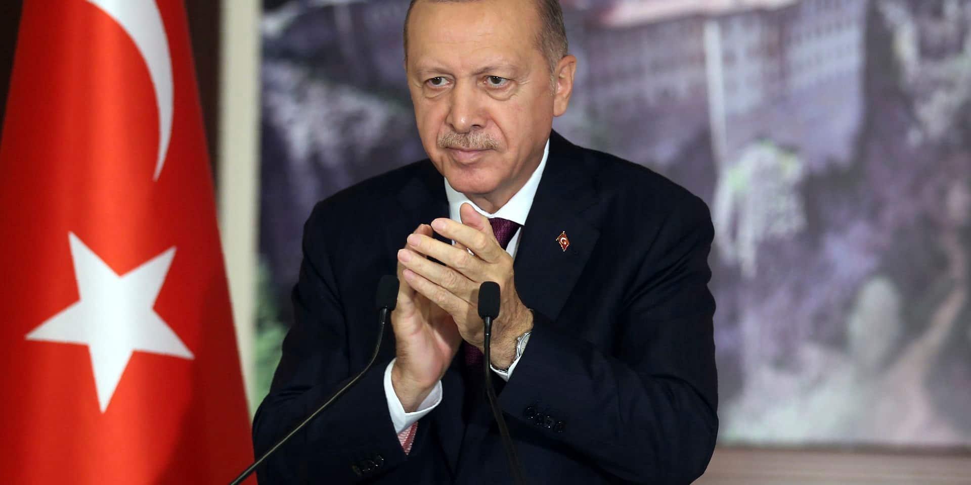 Turquie: adoption d'une loi renforçant le contrôle des réseaux sociaux