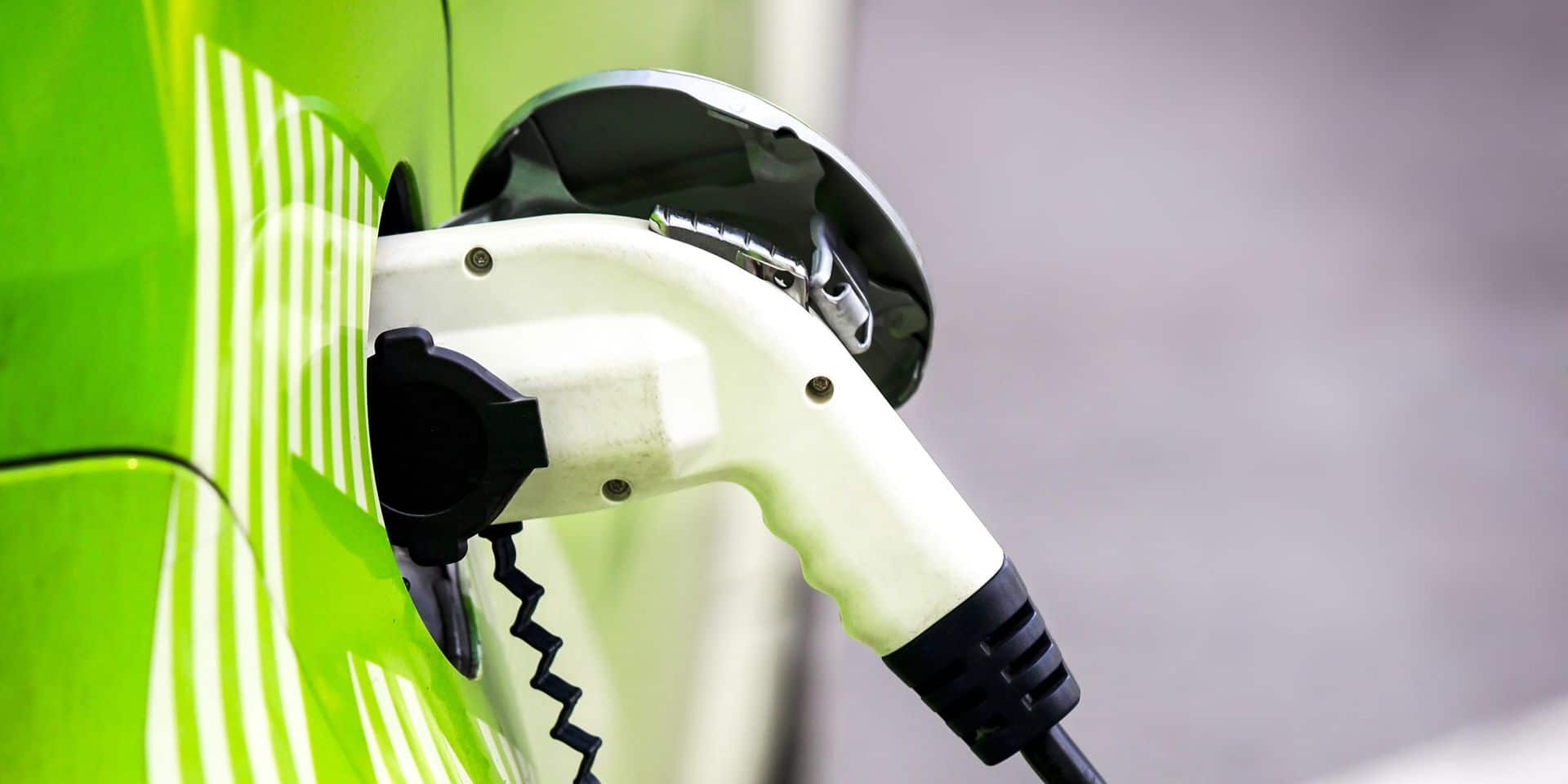 Loading,Energy,Of,An,Electric,Car