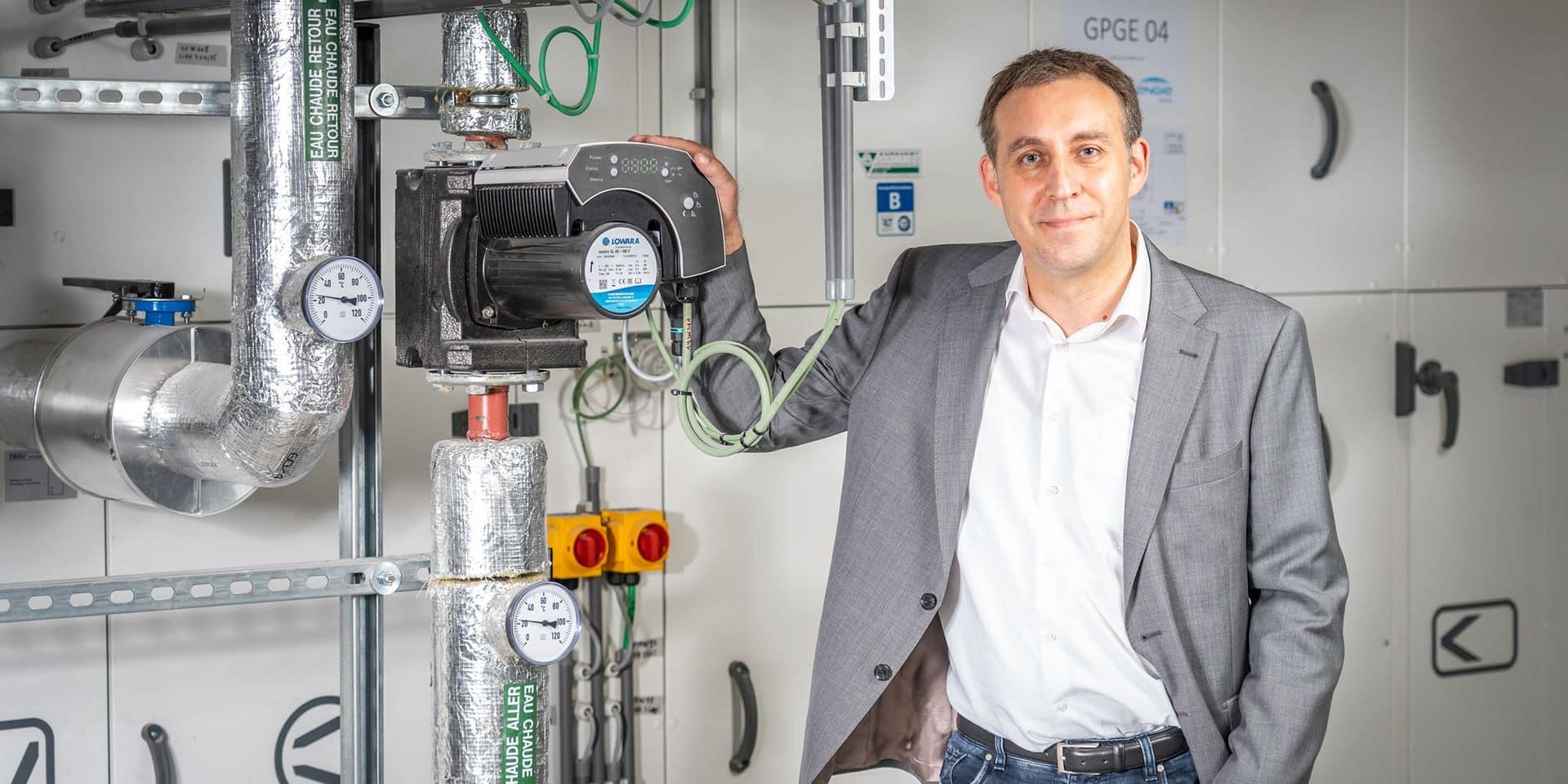 Frédéric Oleksandrow a suivi un cursus du REHVA qui mêle des notions techniques de chauffage, climatisation et ventilation à des notions biologiques de transmission du virus.