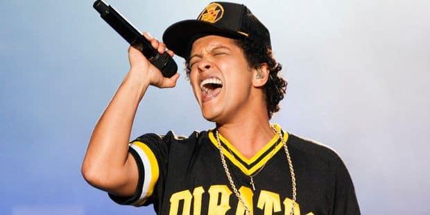 Après Werchter, Bruno Mars a rejoué (5 minutes) en showcase au Bloody Louis (VIDEO) - La Libre