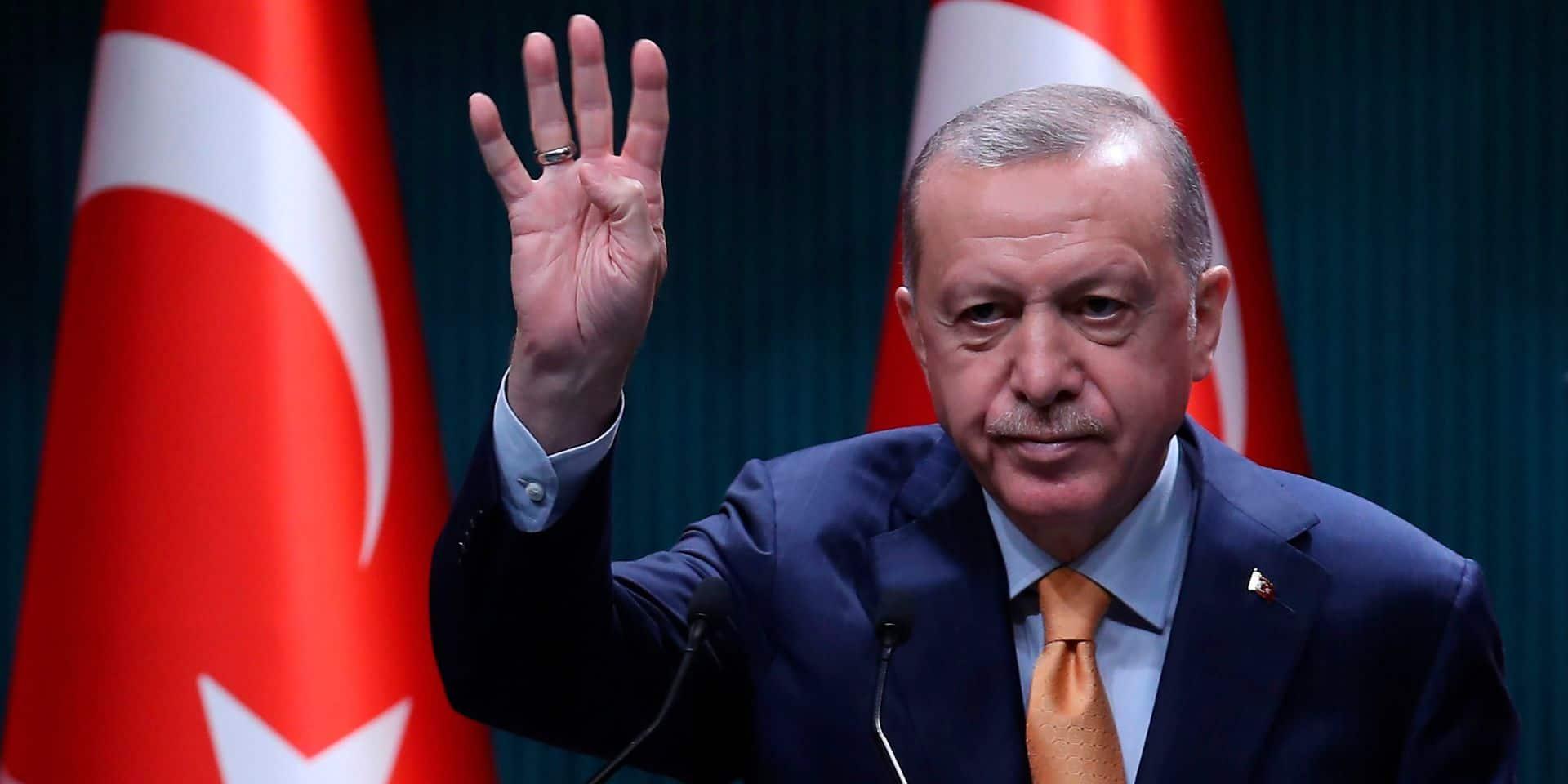 """Elargissement UE : les chances d'adhésion d'Ankara """"au point mort"""""""