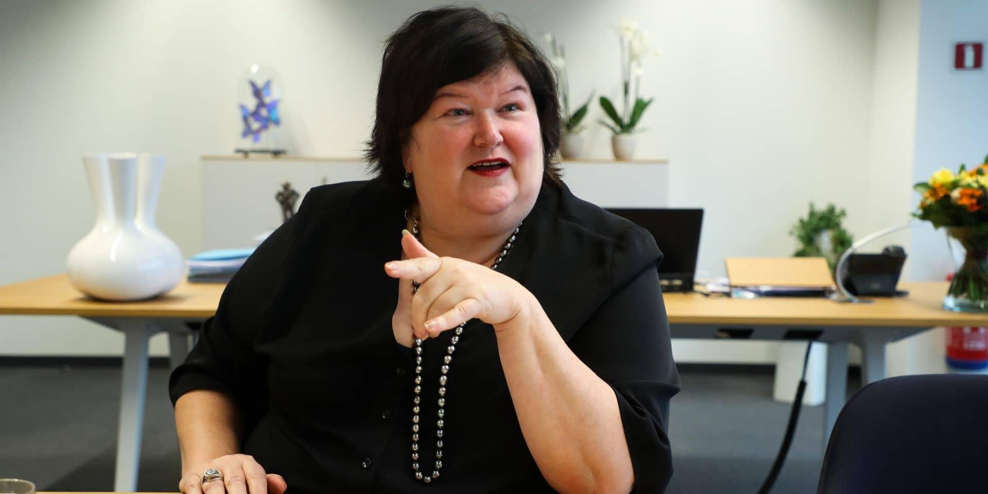 """Les syndicats du personnel des soins de santé """"consternés"""" par l'attitude de la ministre Maggie De Block"""