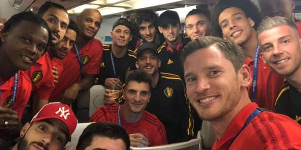 Les Diables rouges sont de retour en Belgique : un accueil triomphal à l'aéroport - La Libre