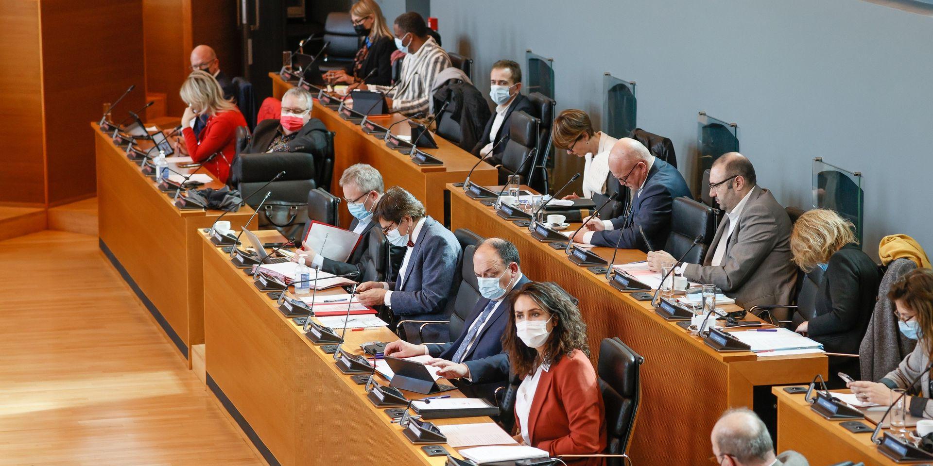 Le parlement wallon condamne les violences commises contre les Ouïghours, le PTB s'abstient