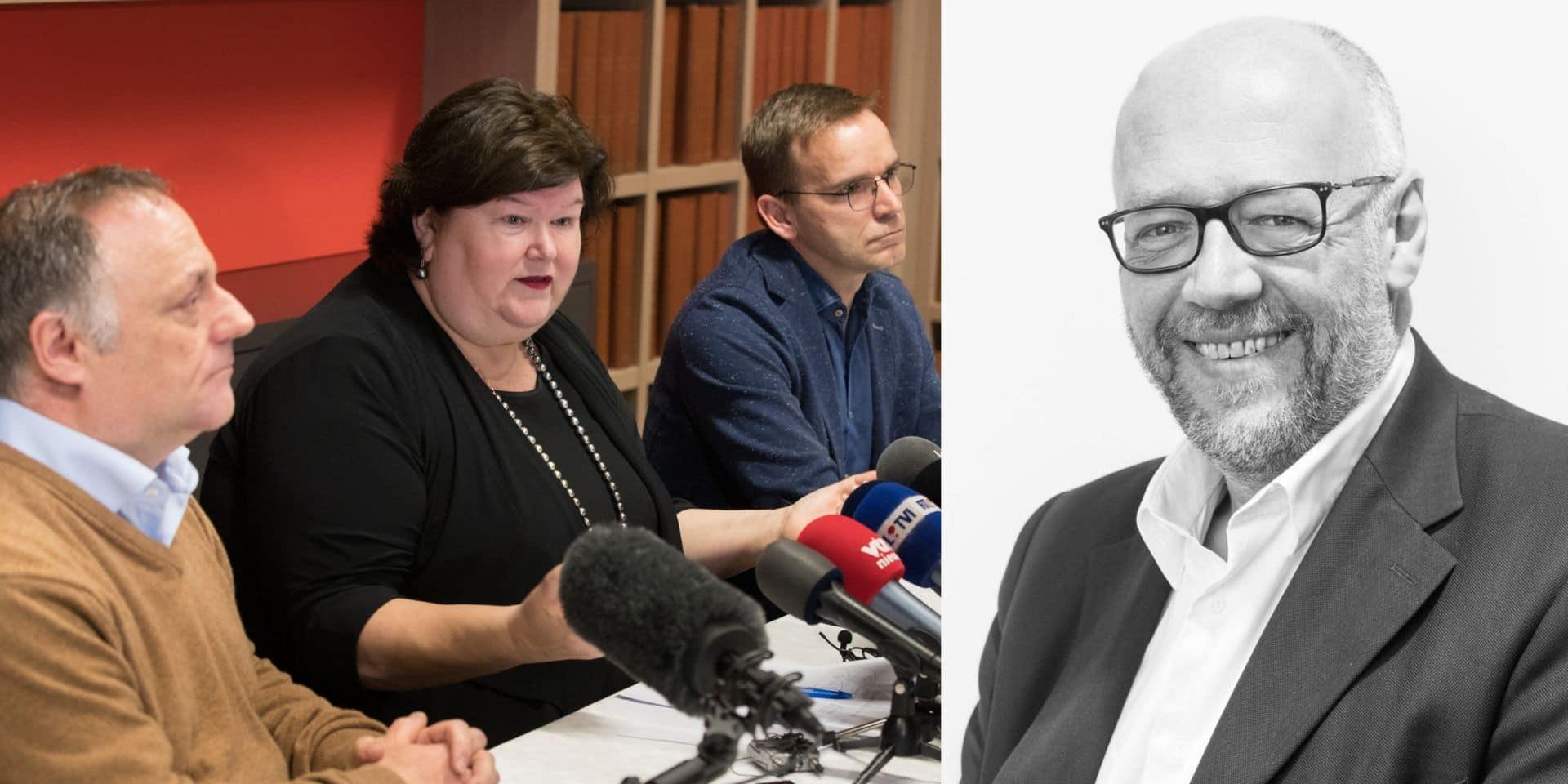 """Les autorités belges face à la crise du coronavirus: """"Une sur-communication qui participe à la panique collective"""""""