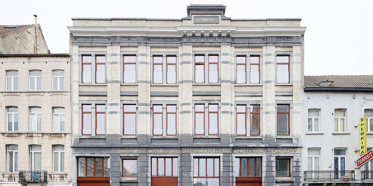 """Vincity vient de finaliser son """"Spinhayer"""" (23 logements, un commerce) situé rue Picard, en face de Tours&Taxis."""