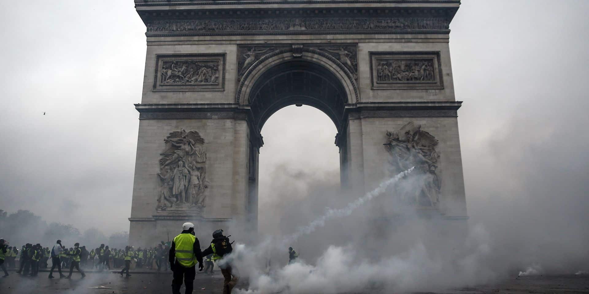 Gilets jaunes à Paris: dix-sept personnes seront jugées pour le saccage de l'Arc de Triomphe fin 2018