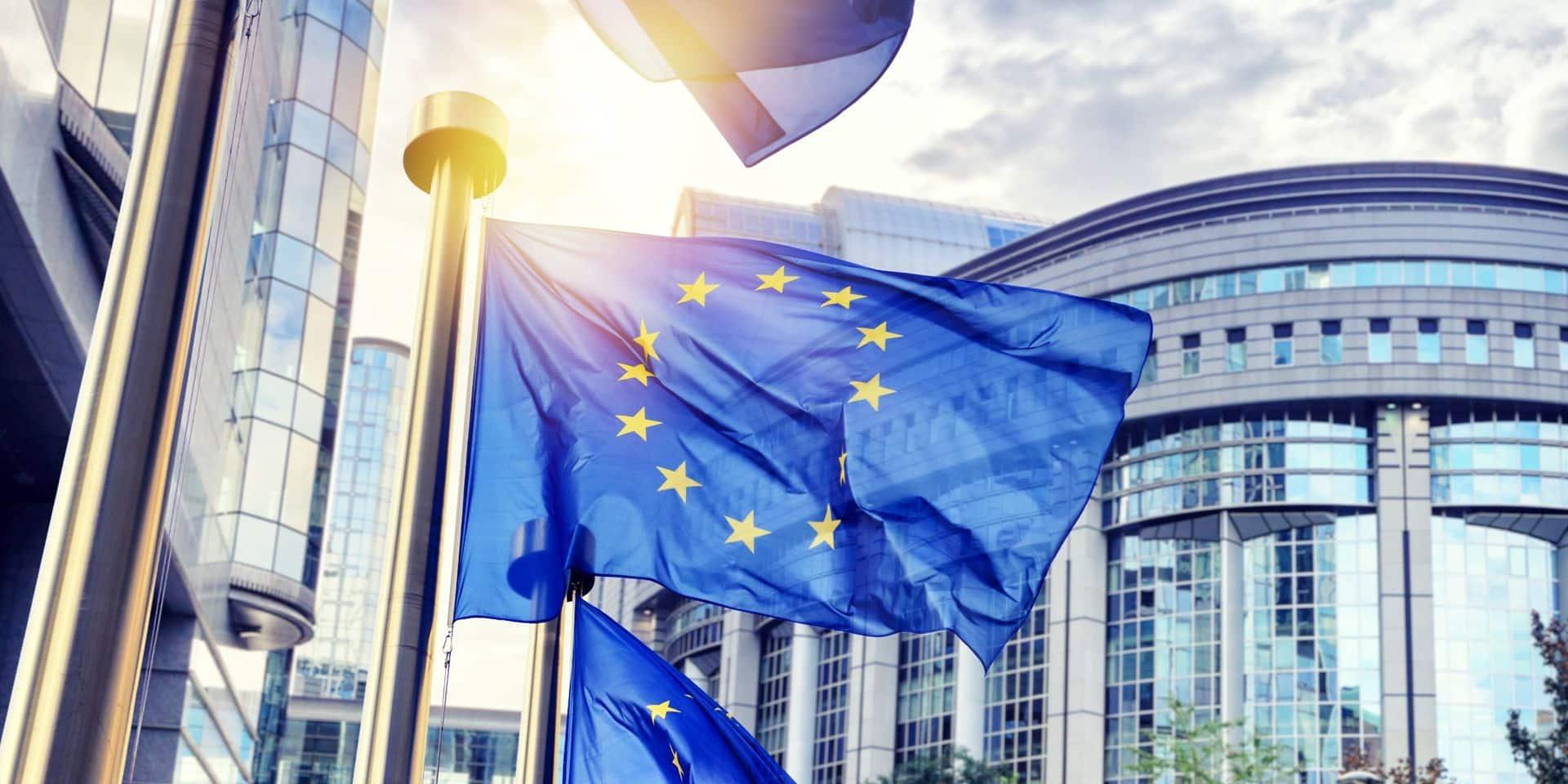Vaccin: le Parlement européen se prononce pour des négociations vers une levée des brevets
