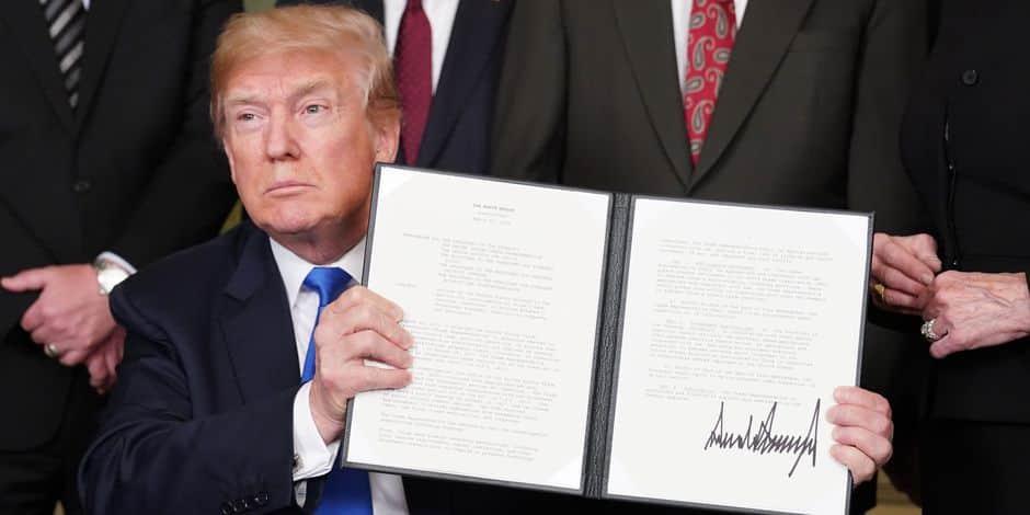 La Maison-Blanche paye une brigade d'employés pour recoller les documents déchirés par Trump