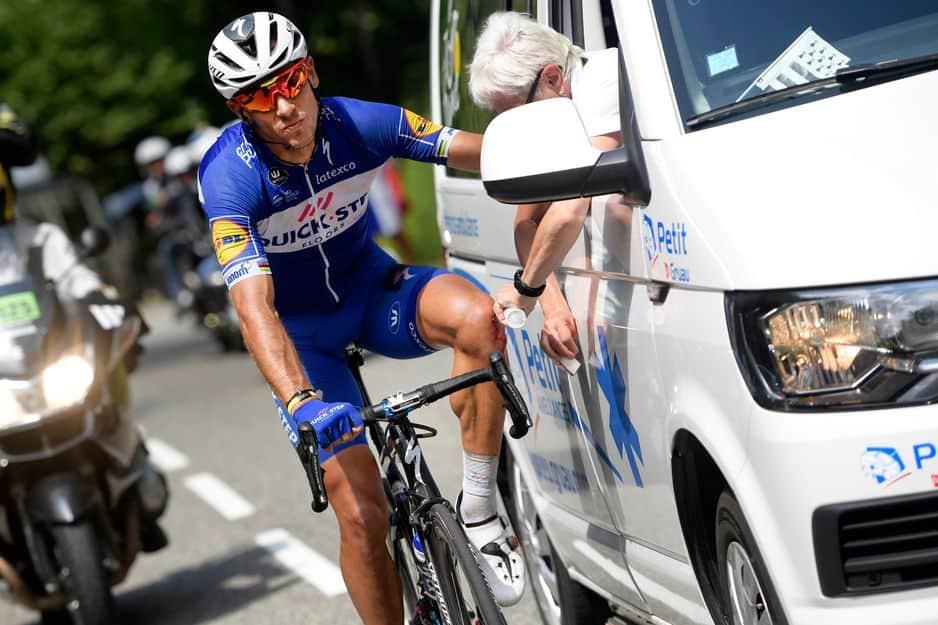 Enorme chute de Philippe Gilbert dans la descente du Portet-d'Aspet