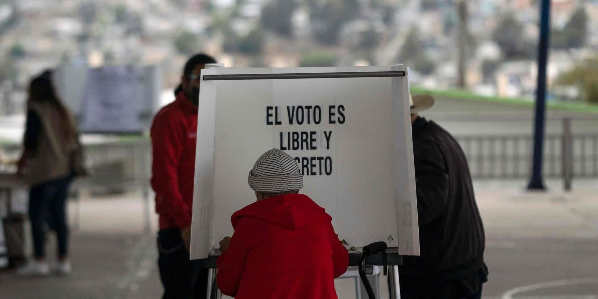 Deux têtes découvertes dans des bureaux de vote au Mexique
