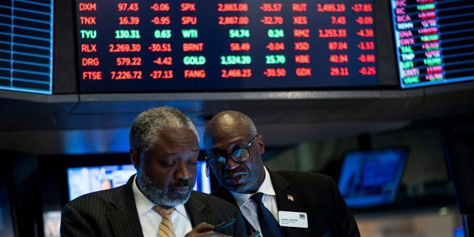 Wall Street tombe encore plus dans le rouge