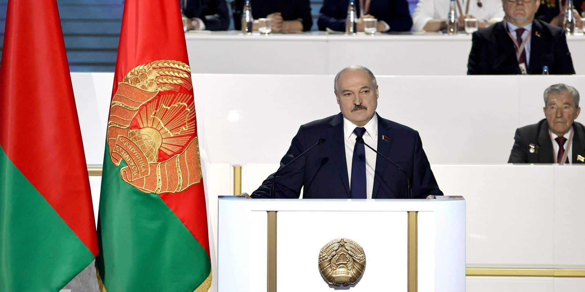 Bélarus: Loukachenko crie victoire face au mouvement de contestation de 2020
