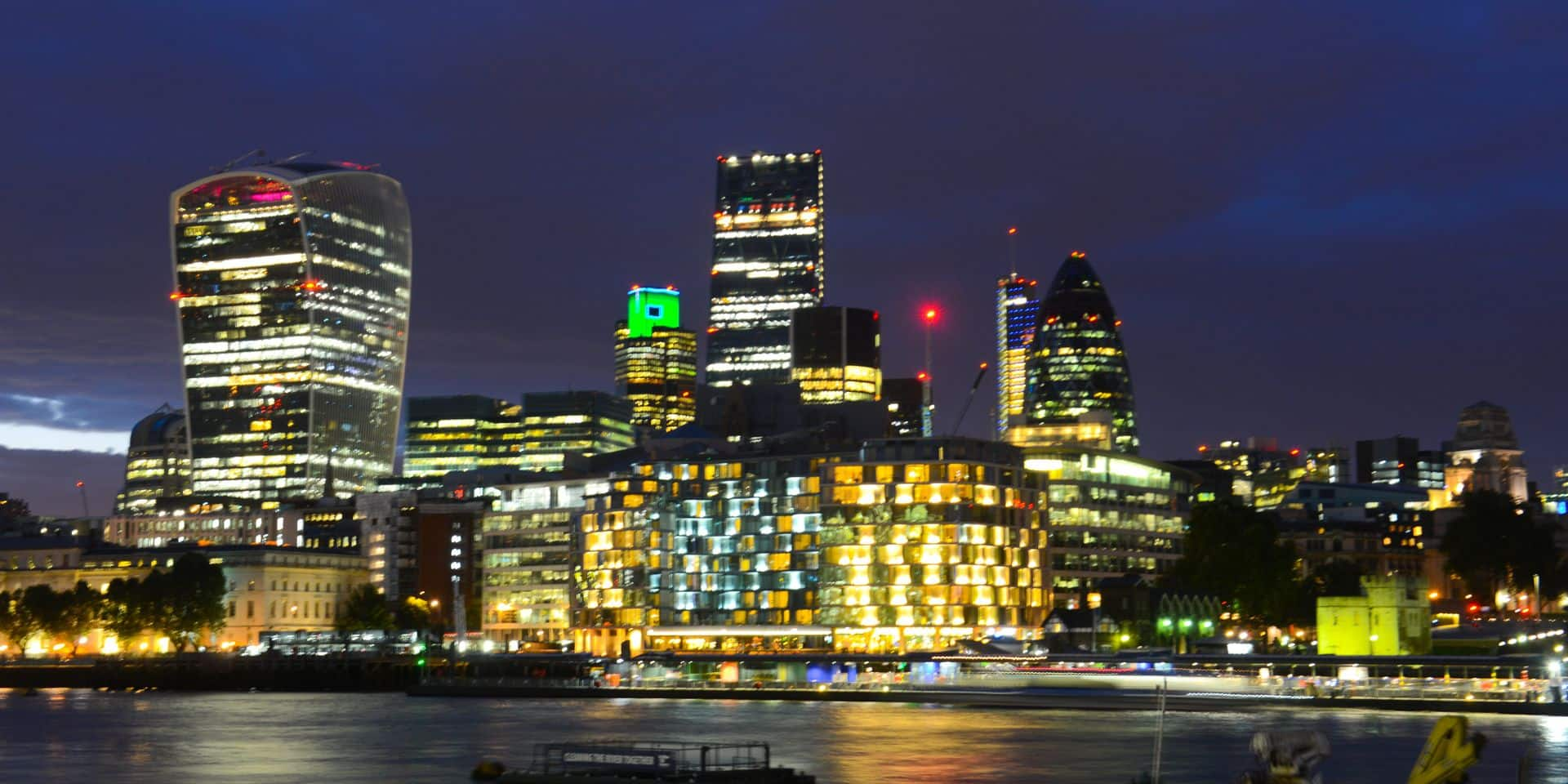 Londres - Tamise by night - City