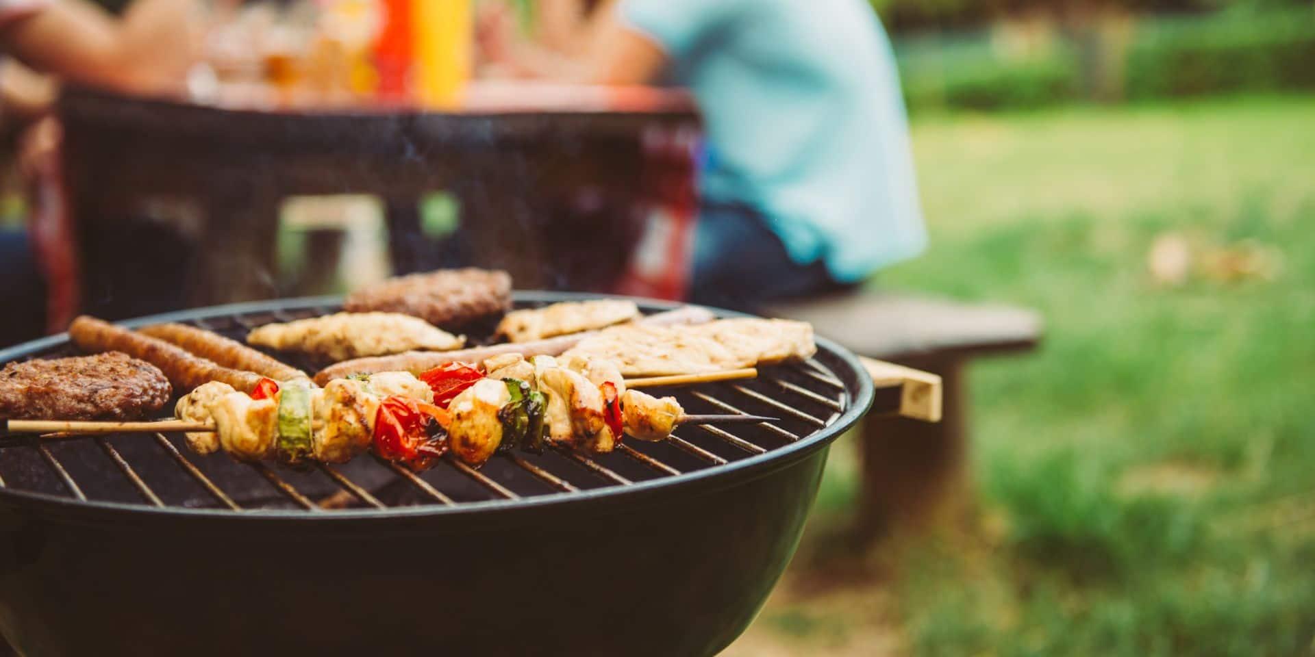 """Coronavirus : """"Pas de vacances à l'étranger ni de grand barbecue entre amis cet été"""""""
