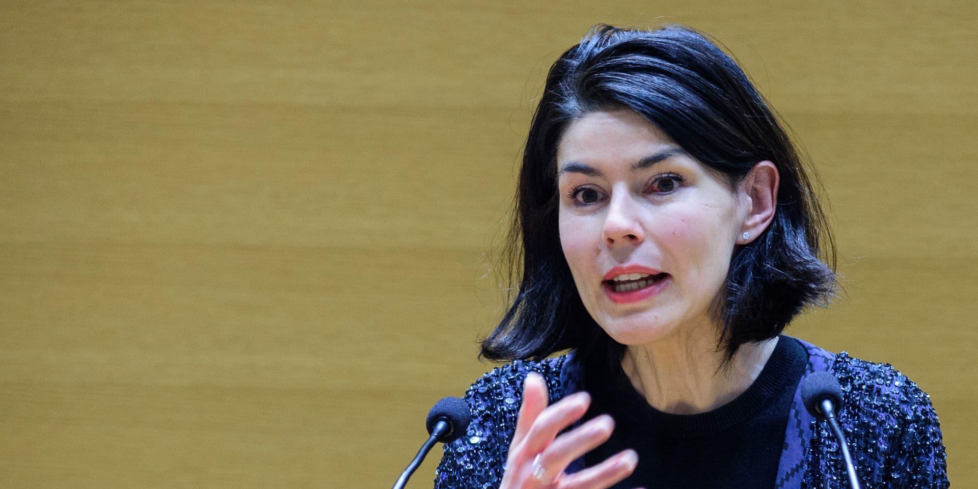 """Valérie Glatigny souhaite une reprise des cours en présentiel au plus tard le 15 mars: """"On sait qu'il y a urgence psychologique et pédagogique"""""""