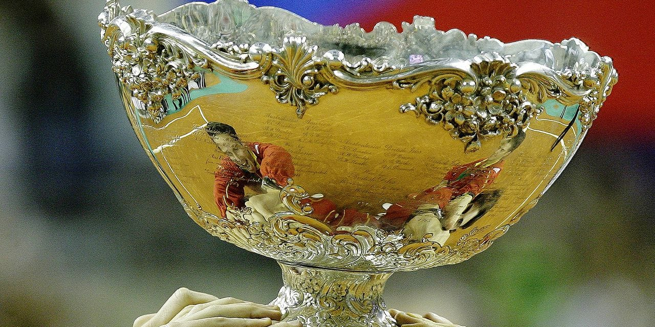 Spanish players holds their trophy after winning the final match of the Davis cup against Czech Republic at palau Sant Jordi in Barcelona on December 6, 2009. Spain won 5-0. AFP PHOTO / JOSEP LAGO / AFP PHOTO