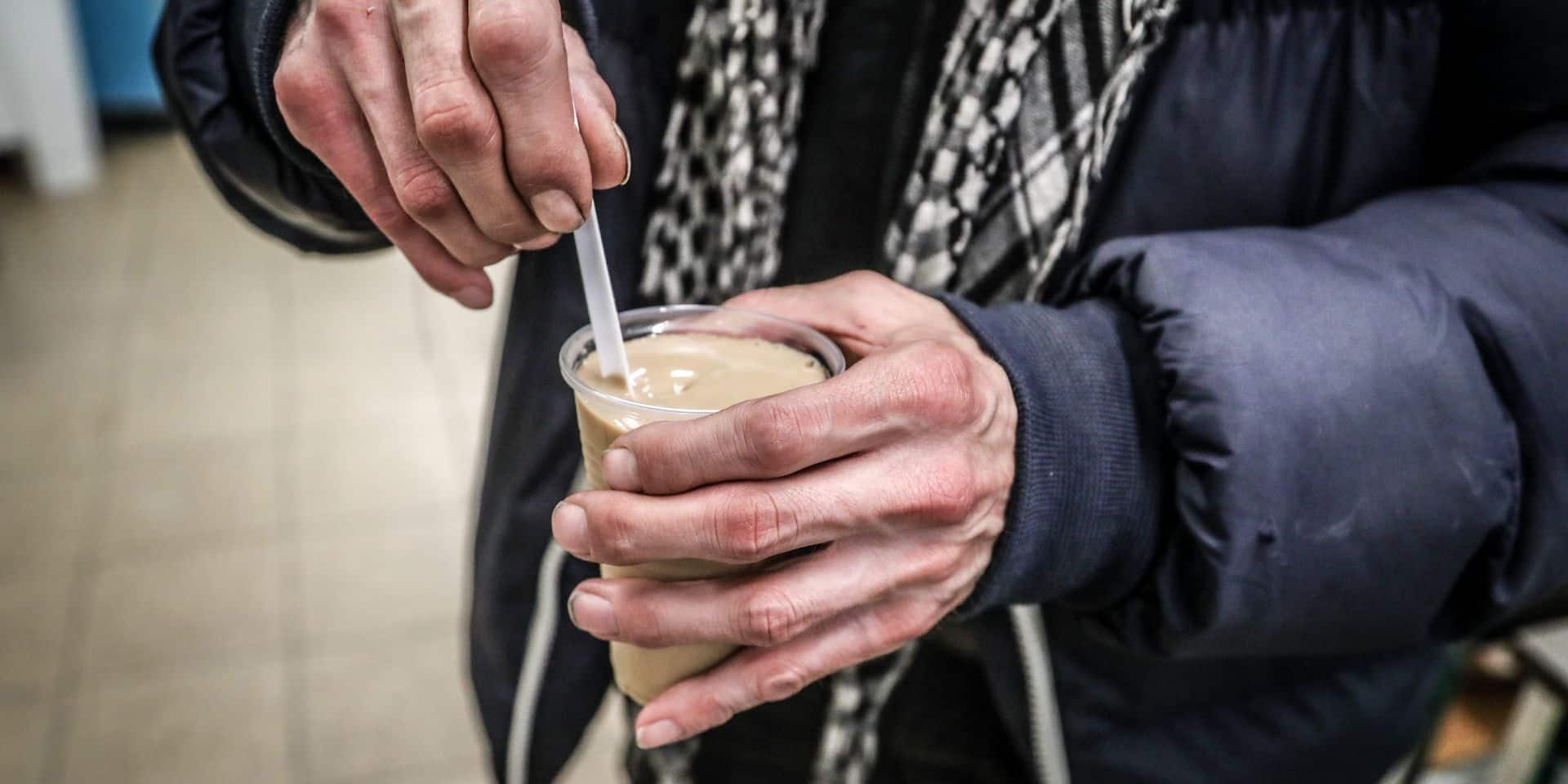 La Louvière: un bar à soupe ouvert pour les sans-abri