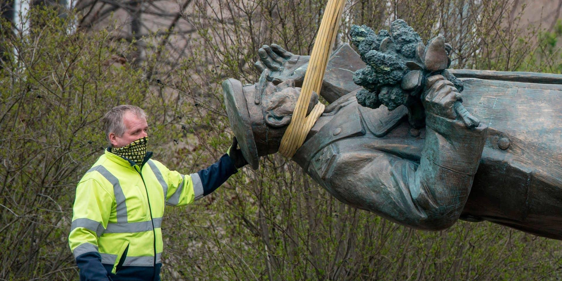 Prague déboulonne la statue d'un maréchal soviétique controversé