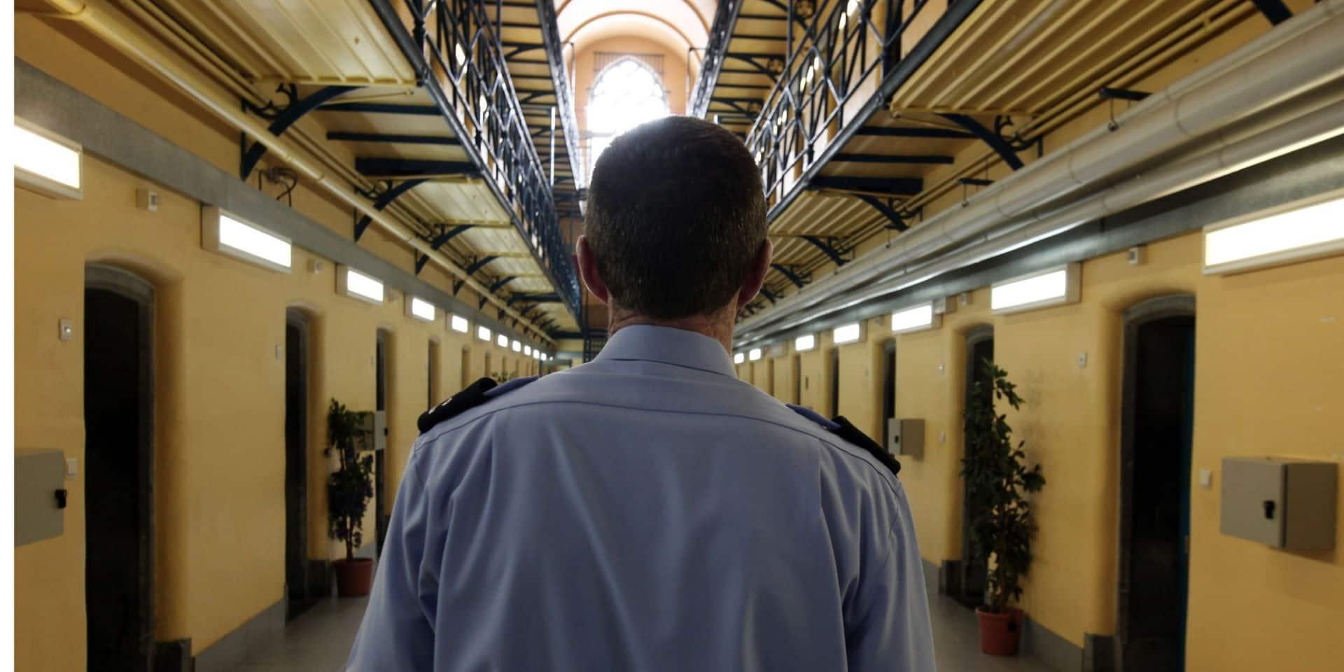 Prison: visites suspendues et détenus malades envoyés à Bruges