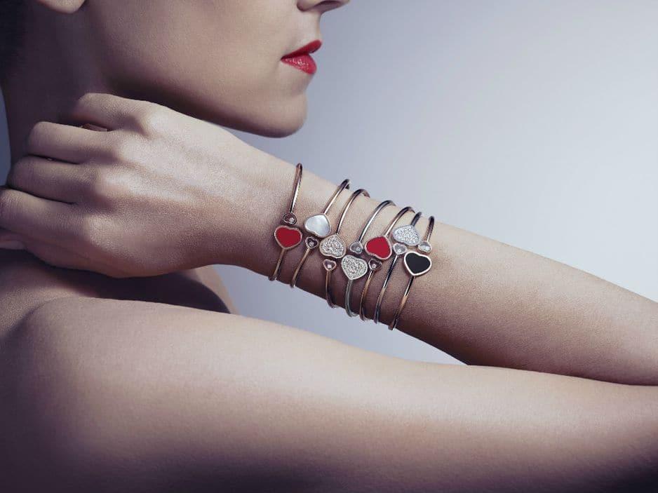 Les Happy Hearts, une des collections phares du joaillier                                       Chopard pourraient bien faire battre les coeurs pour Noël. Bracelet, à partir de 2400€.
