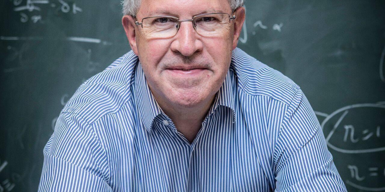 """""""Globalement, le deuxième pilier des pensions, nous explique Pierre Devolder, professeur à l'UCLouvain, organisateur de cette conférence, a un côté schizophrénique."""""""