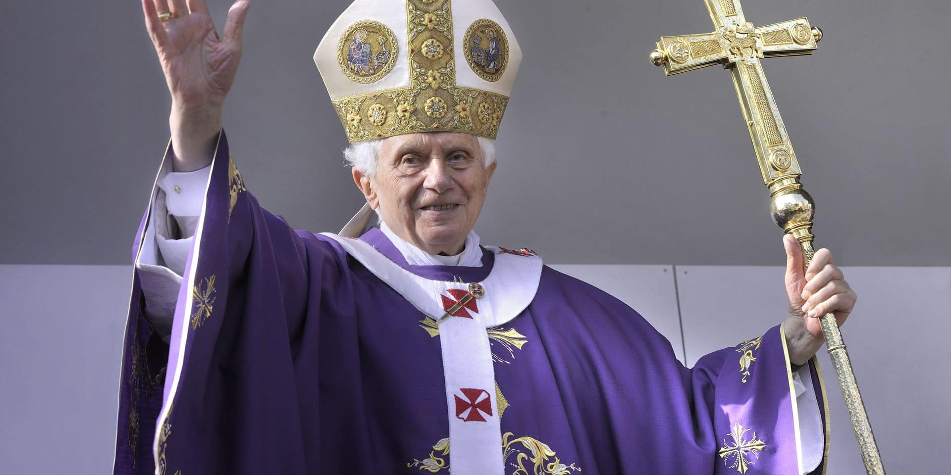Collected some of the most interesting pictures of the Pope to the end of his pontificate illustrated That will be the end of February 28, 2013