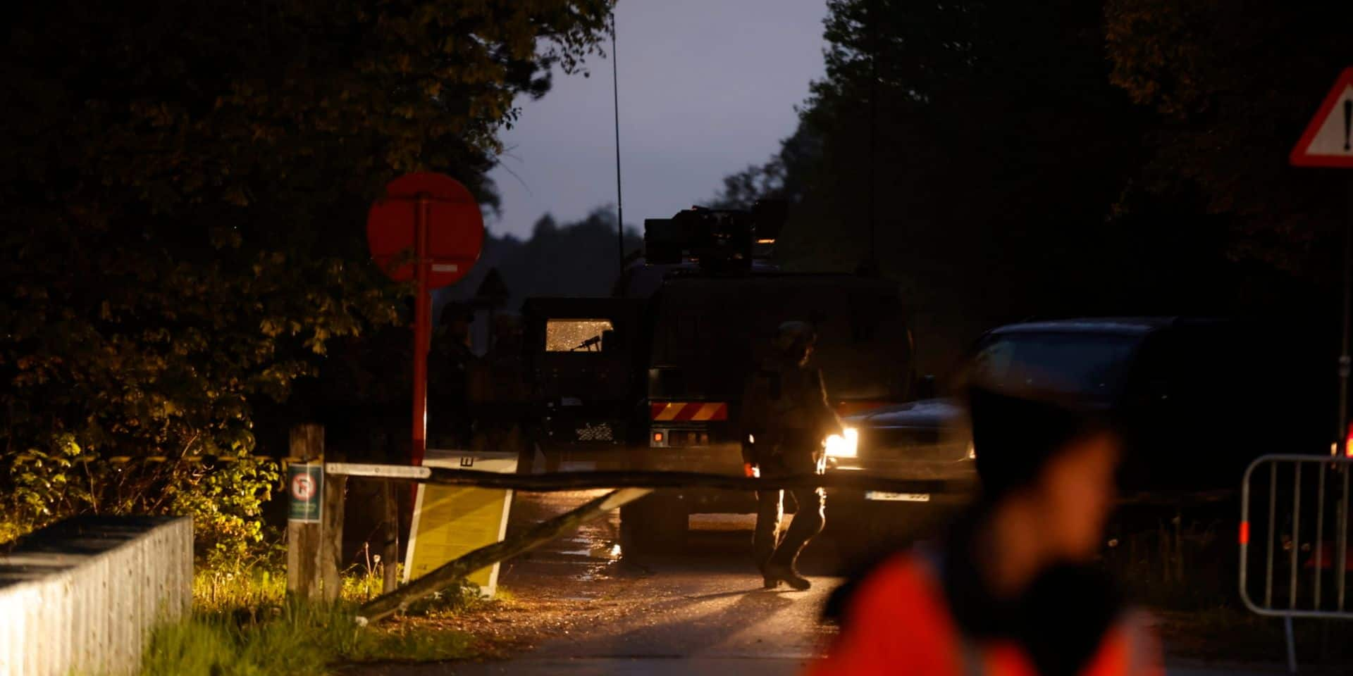Chasse à l'homme dans le Limbourg: le suspect probablement armé serait retranché dans un parc, des détonations entendues