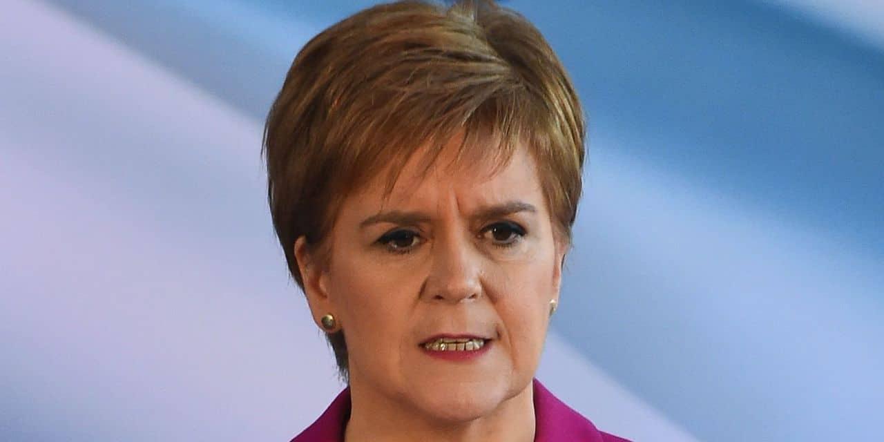 Après les élections au Royaume-Uni, la Première ministre écossaise déterre la hache de guerre