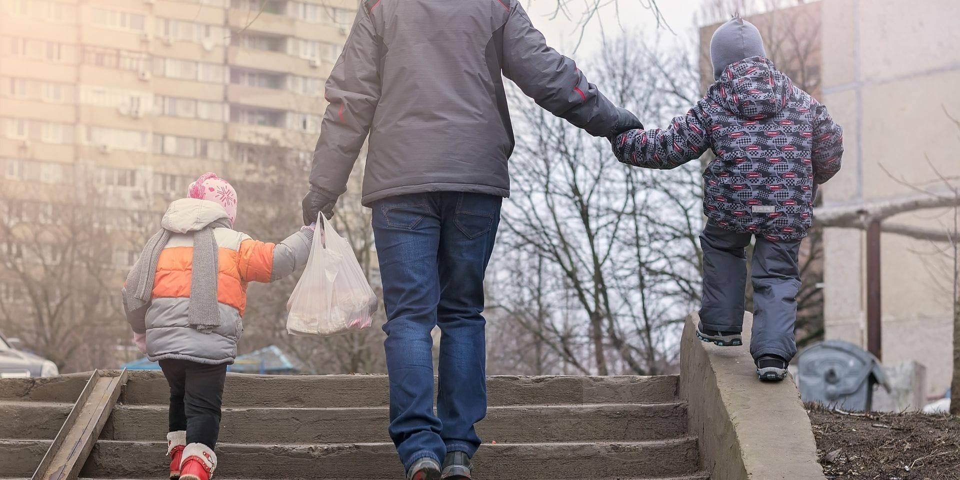 """""""Le risque de pauvreté des enfants est plus élevé en Belgique que dans beaucoup d'autres pays européens"""", s'inquiète le Bureau fédéral du Plan"""