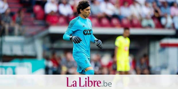 Standard's Guillermo Ochoa pictured in action during the Jupiler Pro League match between Standard de Liege and KAA Gent, in Liege, Friday 27 July 2018, on the first day of the Jupiler Pro League, the Belgian soccer championship season 2018-2019. BELGA PHOTO JASPER JACOBS
