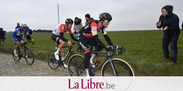 Belgian Philippe Gilbert of Quick-Step Floors, Belgian Tiesj Benoot of Lotto Soudal and Belgian Greg Van Avermaet of BMC Racing Team pictured in action during the 61st edition of the 'E3 Prijs Vlaanderen Harelbeke' cycling race, 206,5 km from and to Harelbeke, Friday 23 March 2018. BELGA PHOTO DIRK WAEM
