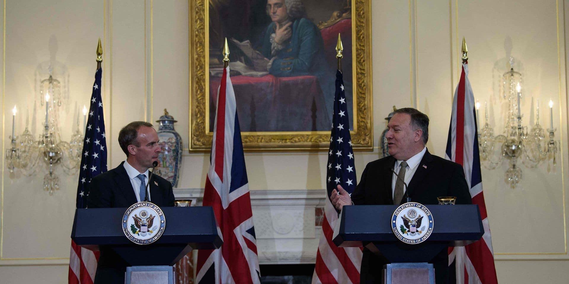 Le garde du corps du chef de la diplomatie britannique oublie son... pistolet dans un avion
