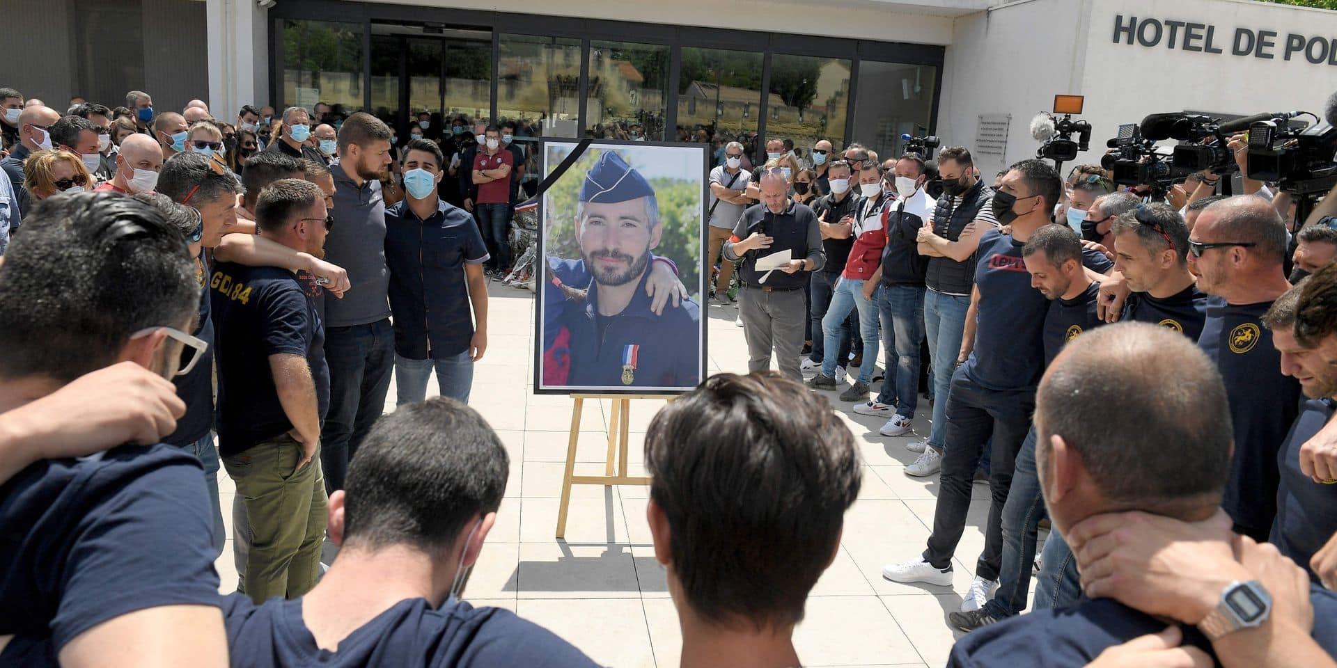 Policier tué à Avignon: quatre personnes interpellées, le tireur présumé et son complice voulaient fuir vers l'Espagne