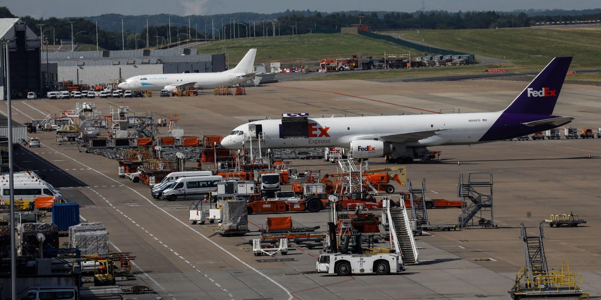 Un avion qui a perdu des pièces de moteur à Maastricht contraint d'atterrir à Liège